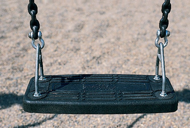 Flat Molded Seat w/Chains